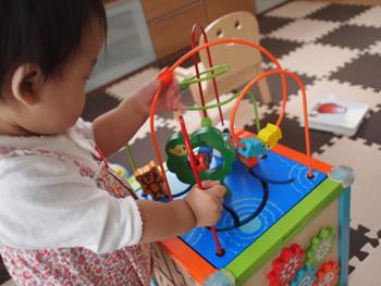 1歳の誕生日はデラックス アクティビティ ボックス