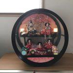 トイザらス限定 ケース五人飾り「金彩枝桜 丸形黒塗アクリル