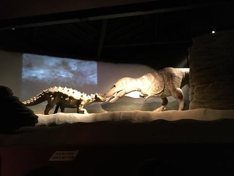 恐竜時代へタイムスリップ