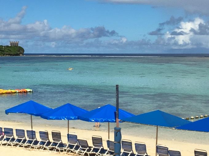 PICグアムホテル前の海