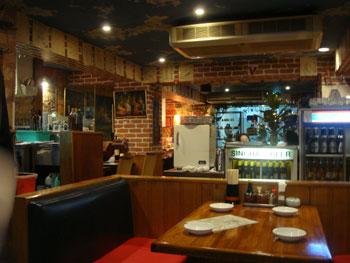 カンボジア料理 アンコールワット 店内