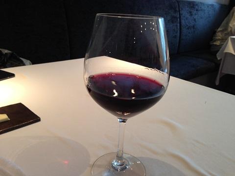ワインは赤白