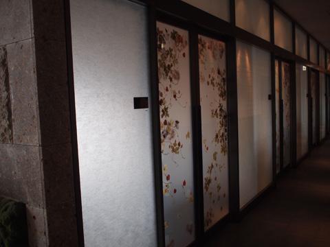 個室のドア